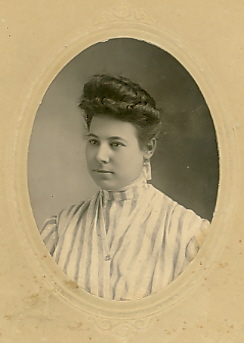 Anna Poster Tidd.  Nelson photo, Little Falls, Minnesota, undated.
